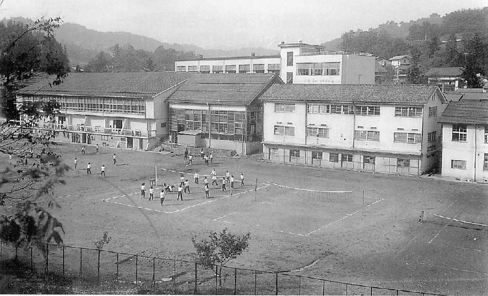 昭和40年新体育館落成